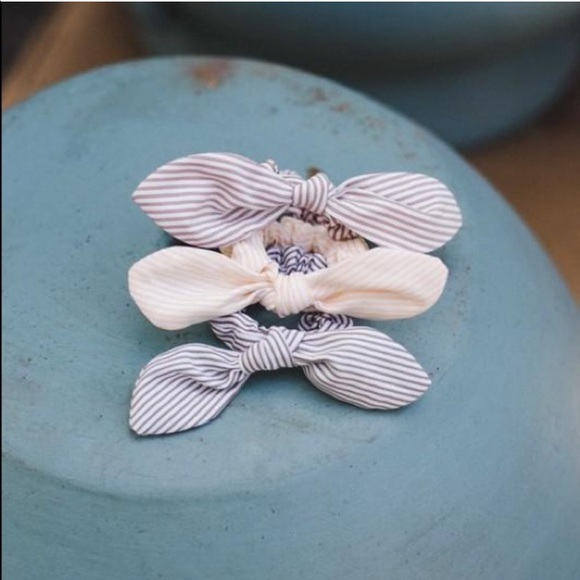 Flowers and Gray Accessories - The Brighton Bow Scrunchie - Green